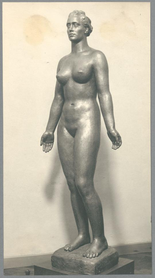 Frauenstatue III, 1933/38, Bronze oder Messing